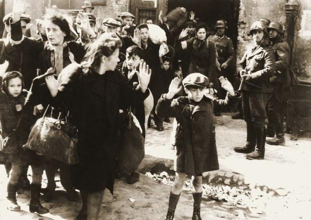iconic-photographs-1940-warsaw-ghetto