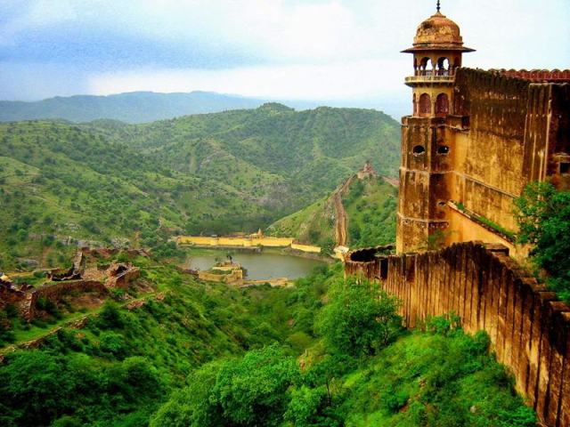 Jaigarh-Fort-Jaipur-tour