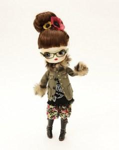 Dal Winter Glasses Girl 2010