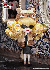 Little + de 2011 Pullip Madam Raccoon