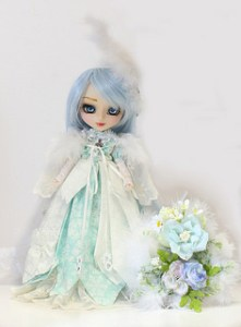 Pullip Snow Queen with White Feather 2013