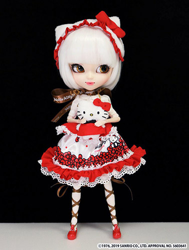 Pullip Hello Kitty plushie