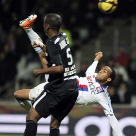 El Lyon manda un mensaje al Madrid al golear al Nancy