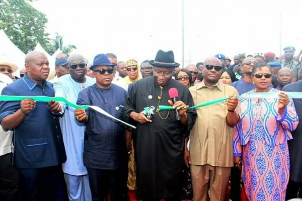 Goodluck Jonathan Commissions Nkpogu Bridge