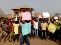 Obodogwugwu Community Youths Protesting Across Okpanam Town Near Asaba, Delta State