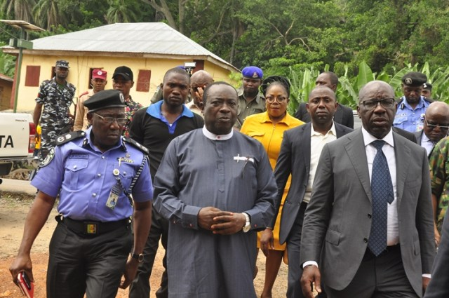 R-L: Edo State Governor, Mr Godwin Obaseki; Chairman Akoko-Edo Local Government Area, Hon. Don Oteh Umoru; and Edo State Commissioner of Police, Mr Johnson Kukomo, during the governor's condolence visit to victims of the foiled robbery in Igarra, Akoko Edo Local Government Area, Edo State, on Monday, August 13, 2018.