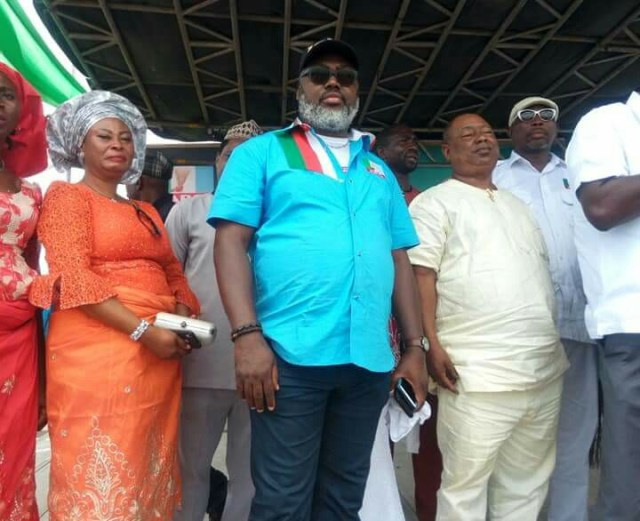 PDP Decampees to APC in Isoko