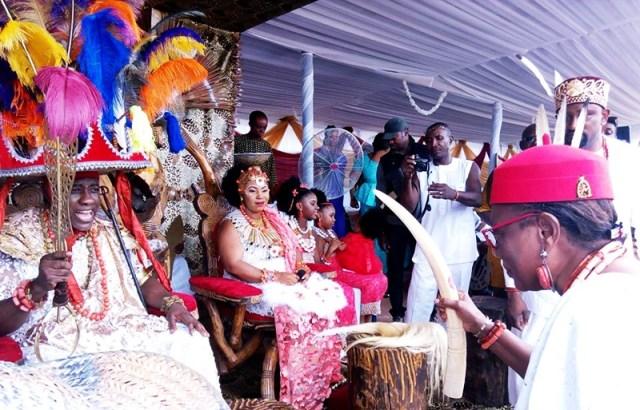 (R-L) Omu Anioma, Obi Martha Dunkwu, Paying Homage to His Royal Majesty Igwe Chidubem Iweka III, Eze Obosi Kingdom at the 2018 Edition of Obiora Iwaji Festival