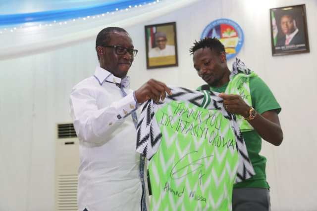 Ahmed Musa Presents Super Eagles Jersey to Governor Okowa