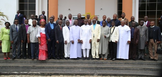 Delta State Governor, Senator Ifeanyi Okowa (8th right), in a group photograph with the new Executives of State Christian Association of Nigeria (CAN) Executive shortly after a courtesy call in Asaba.