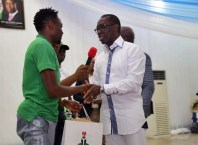 Governor Okowa Gives $50, 000 To The Super Eagles