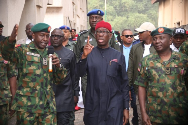 Delta State Governor, Senator Ifeanyi Okowa (middle), General Officer Commanding 6 Division Nigerian Army/Land Component Commander JTF, Major General Jamil Sarham, representing the Chief of Army Staff (right), the Speaker of the State House of Assembly, Rt Hon Sheriff Oborevwori (behind), Acting Commander 63 Brigade, MHB Mamu (left), during the inauguration of 63 Brigade, Nigerian Army in Asaba. PIX: BRIPIN ENARUSAI