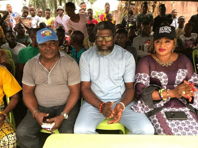 Delta State AGAP Governorship Candidate, Chief Brando Omu (Center) his running mate, Dr (Mrs) Rukevwe Ugwumba and the State Chairman of the Party, Chief Alex Oyoro at Uwheru, home town of Dr Ugwunba ahead of the flag off of the state wide campaign of the party.
