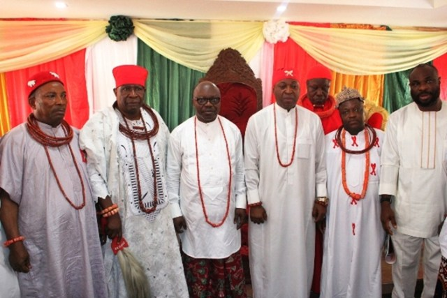 Dr. Emmanuel Eweta Uduaghan (m) with traditional rulers in Isoko ethnic nationality in Delta State during the former governor's visit to the monarchs on Wednesday 24th January, 2019.