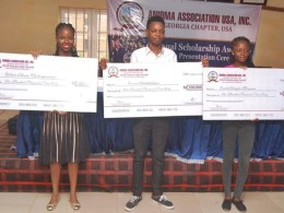 L-R: Miss. Chukwufumnanya Elikwu of Lagos State University, Mr. Otitodilichukwu Esennwa of University of Lagos and Miss. Maryann Obiageli Enebeli of University of Port Harcourt display their Prototype Cheques.