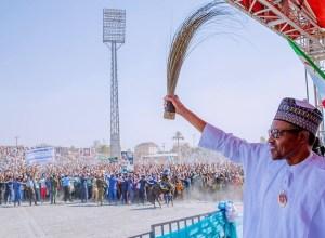 President Muhammadu Buhari Waves APC Broom at a Campaign Rally