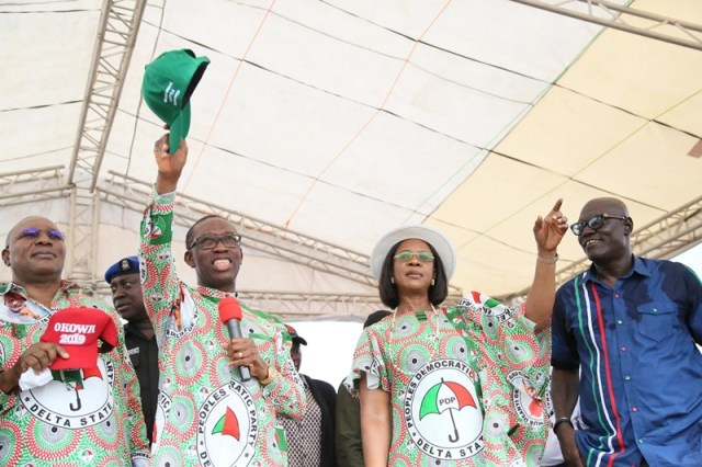 Delta State Governor, Senator Ifeanyi Okowa (2nd left); his wife, Dame Edith (2nd right); Delta State Deputy Governor, Barr. Kingsley Otuaro (left) and State PDP Chairman, Barr. Kingsley Esiso, during Delta State PDP Governorship Campaign Ika South.
