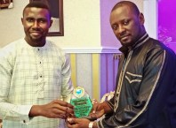 Comrade Prince Kpokpogri (right)Bags Delta Integrity Group Philanthropic Award