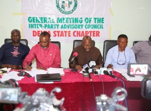 Delta State IPAC Chairman, Mr. Fred Obi (middle); Deputy Chairman, Lordson Ehwubare (2ndright); Secretary, Amb. Peter Emuakpoye (2nd left); Chief Hon. Efe Josiah (left) and Public Relations Officer, Comrade Sylvester Umudjane, during a Press Conference by the Association of Political Parties on the Review of 2019 General Elections.