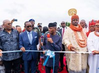 Vice President of the Federal Republic of Nigeria, Prof. Yemi Osinbajo flanked by Delta State Governor, Senator Ifeanyi Okowa; Deputy Governor of delta State, Barr. Kingsley Otuaro; His Royal Majesty, Elder Capt. Joseph Timiyan I, the Ebenanaowei of Ogulagha Kingdom and Others during the Commissioning of Obutobo I/Obotobo II Sokebolou-Yokri Road in Burutu.