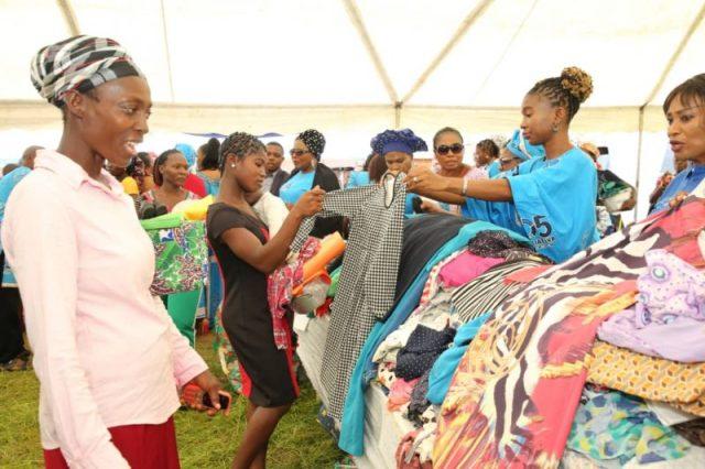 Dame Edith Okowa Donates To Mile 5 Residents