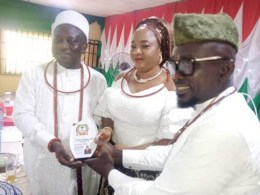 Left - Olorogun Abel Ogheneovo Esievo, his wife receiving the Award from the President of the Urhobo Progress Union, UPU, Asaba branch, Mr. Austin Akpede during the Award ceremony held at the NLC hall, Asaba