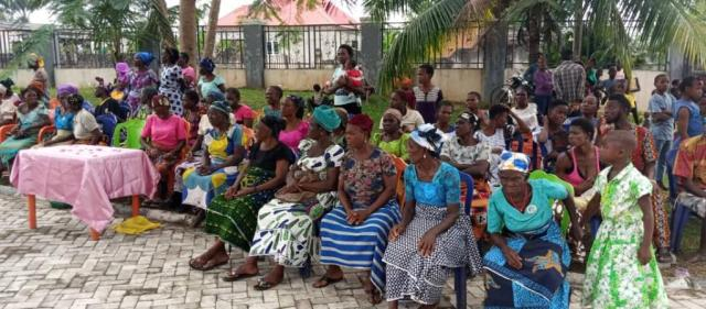 Beneficiaries of Azuka and Ify Foundation Christmas Donation