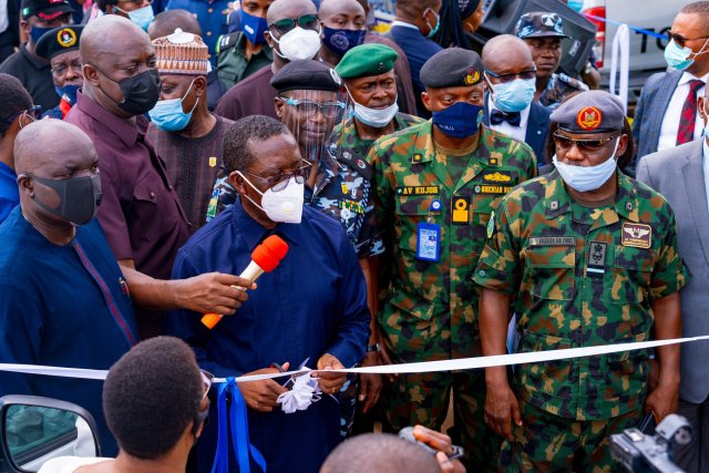Delta Governor, Senator Dr. Ifeanyi Okowa (Cutting Tape), Director General Security Matters/Coordinator, Operation Delta Hawk, Hon. David Tonwe (left) and Service Commanders, during the Official Flag-Off of Operation Delta Hawk, in Asaba, on Thursday, December 10, 2020