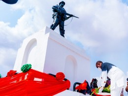 Delta Governor, Senator Dr. Ifeanyi Okowa, laying a Wreath in honour of the fallenHeroes during the 2021 Armed Forces Remembrance Day celebration at the Cenotaph, Asaba on Friday, January 15, 2021