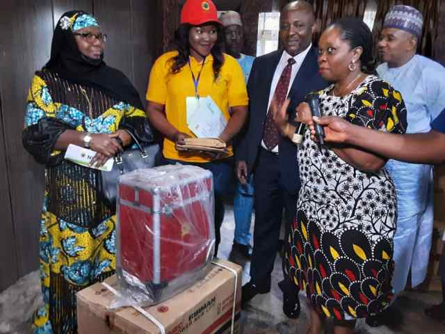Nigerian Gas Company Distributes Starter Packs to Edo and Kogi Women