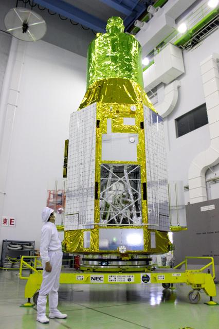 X線天文衛星「ひとみ」=2016年1月、鹿児島県の種子島宇宙センター