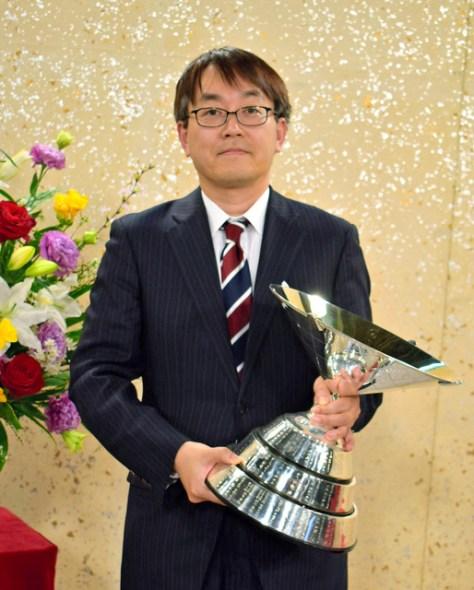 NHK杯将棋トーナメントで7年ぶり11回目の優勝を果たした羽生善治九段