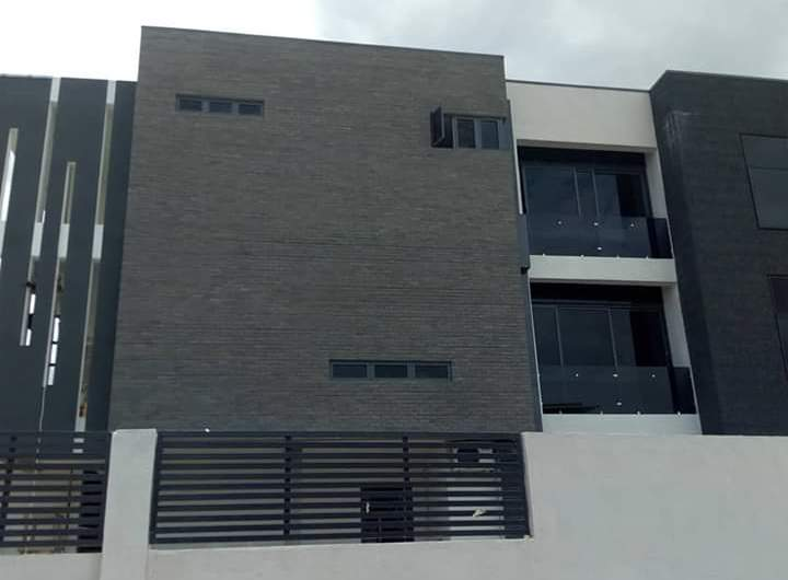 FOR SALE! 5 bedroom duplex with BQ @ Banana Island