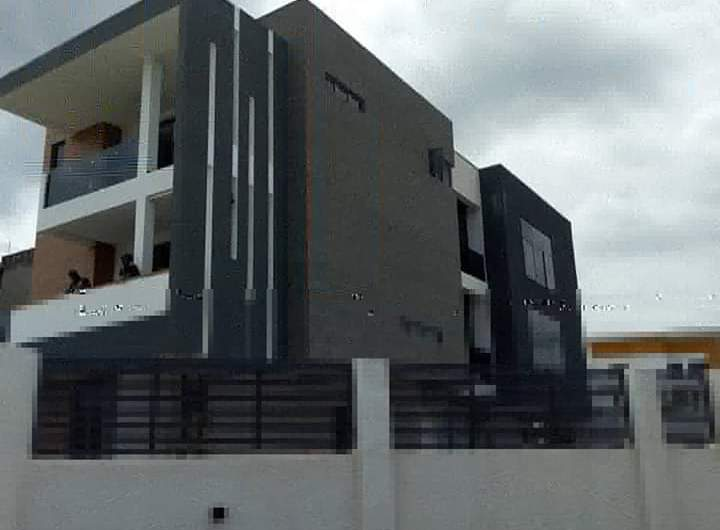 Automated Newly Built 5 Bedroom (FOR SALE)