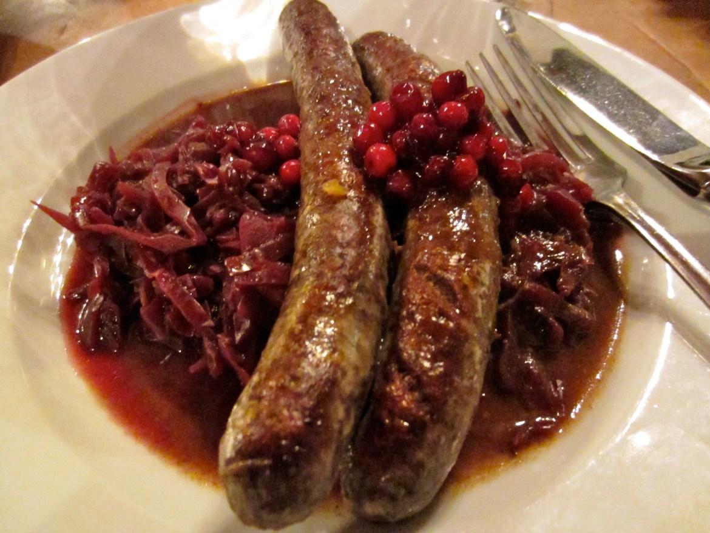 Venison sausages with red cabbage at Weinhaus Schreiner