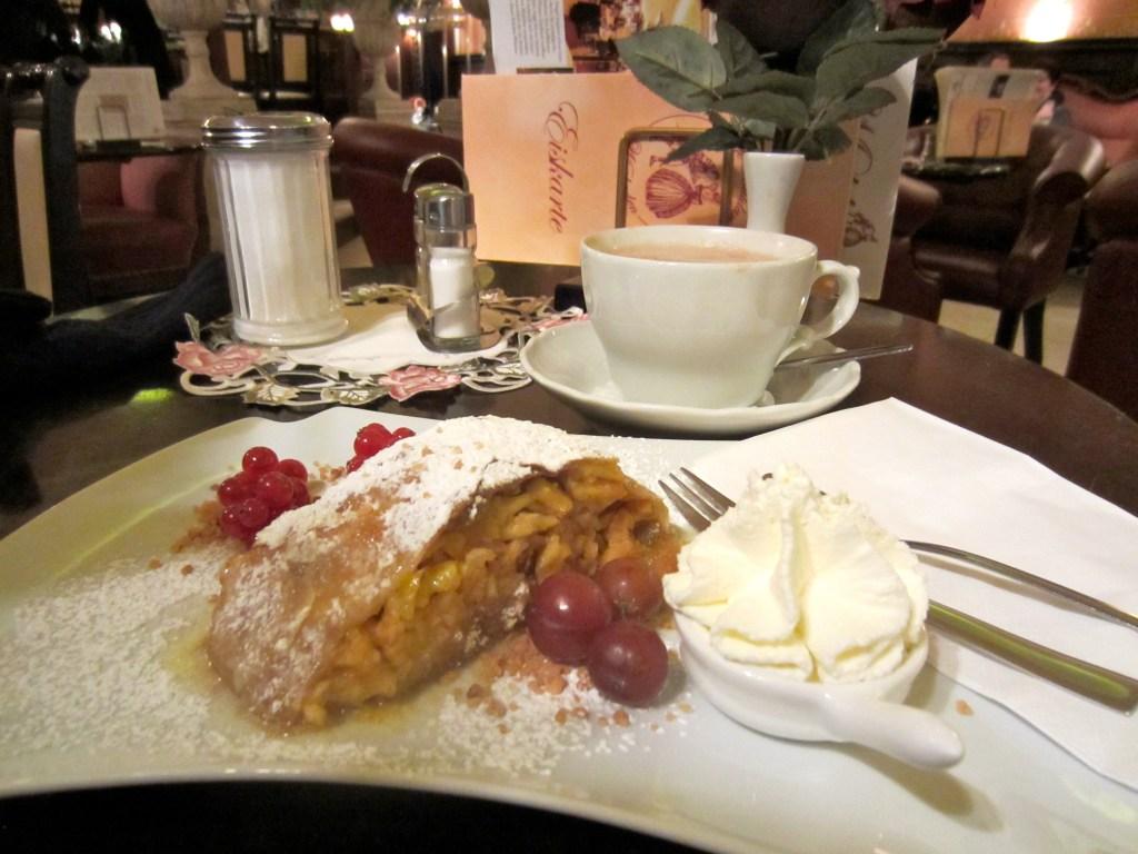 Hot chocolate and warm apple strudel at Café Maldaner