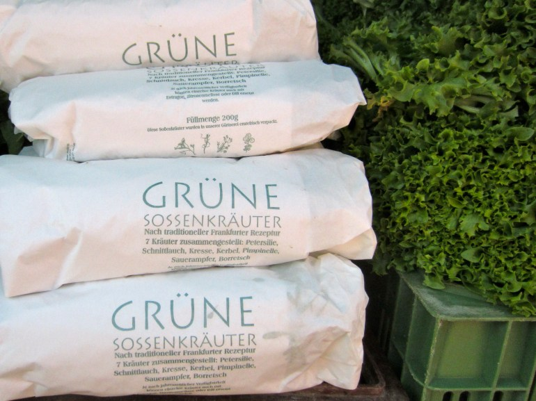 Packages of Grüne Soße herbs
