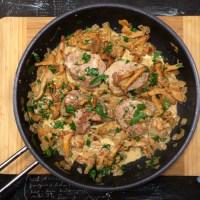 Pork medallions with a wild mushroom cream sauce | Schweinemedaillons mit Pilzrahmsoße (recipe)