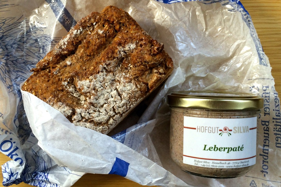 German bread and pork liver paté