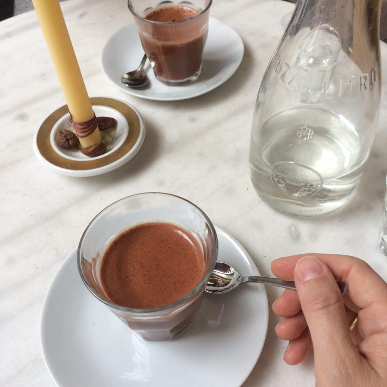 Maya hot chocolate at Belyzium