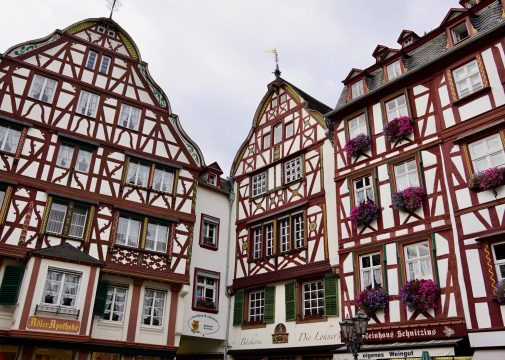 Half-timbered buildings in the corner of Bernkastel market square