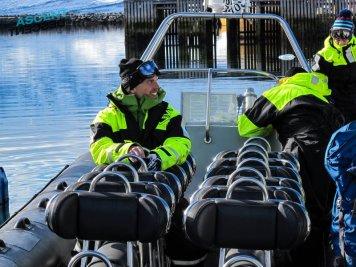 Våre båtbaserte toppturer blir ofte en av mange store opplevelser på Ski ukene i Lyngen.