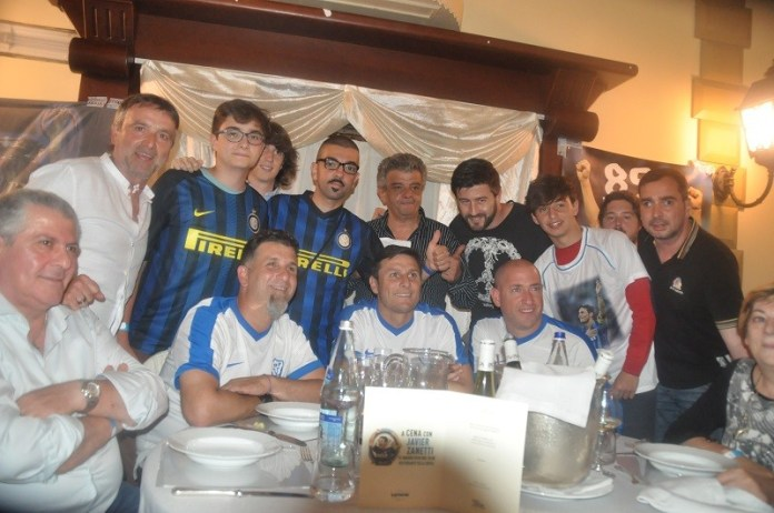 Un'immagine della cena con Javier Zanetti