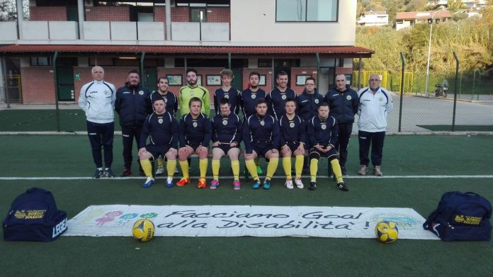 """I giovani calciatori del progetto """"Facciamo goal alla disabilità"""