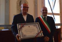 Gabriele Gabrielli con il sindaco di Offida