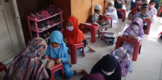 For most children, going back to school is exciting. The face-to-face classes in schools will enable them to see old friends and classmates(Talking2u News/YouTube)