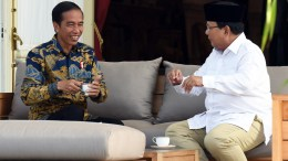 Joko Widodo meets with Prabowo Subianto at the Merdeka Palace