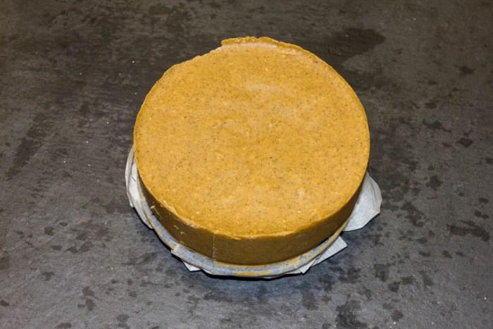 Dulce de cacahuete con sirope-5