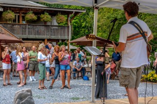 "Black Walnut Winery - Guinness Book of World Record Attempt - ""Largest ever simultaneous wine tasting"" - Great Pennsylvania Wine Toast"