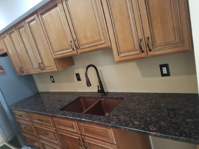 Selecting a kitchen sink style for your granite countertop